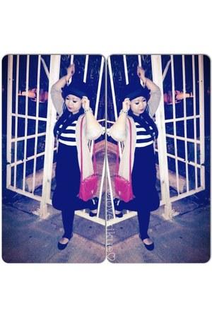 black wool Target hat - black Club Monaco leggings - black Forever 21 blouse