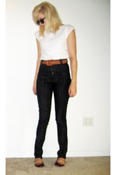 Isaac Mizrahi for Target shirt - forever 21 jeans - belt - Gap shoes - UO sungla