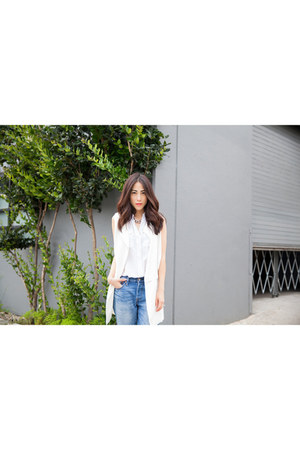 white silk Equipment blouse - blue boyfriend jeans Levis jeans