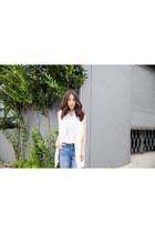 white silk Equipment blouse - blue boyfriend jeans Levis jeans