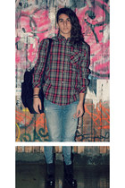 black boots - sky blue jeans - black bag - maroon blouse