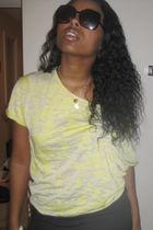 yellow shirt - black skirt