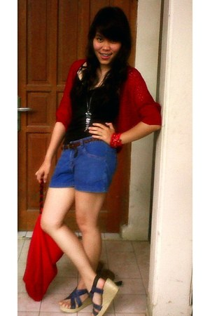 ruby red bag - navy shorts - blue wedges - black top - ruby red cardigan