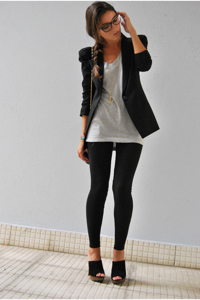 black Queens Wardrobe blazer - gray Stradivarius t-shirt - black Zara clogs - go