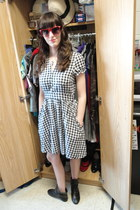 black chained Forever 21 boots - dress - red Urban Outfitters sunglasses