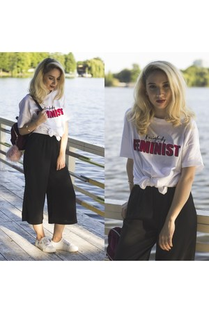 white pull&bear shoes - ruby red Stradivarius bag - black Bershka pants