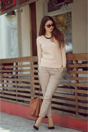 peach Pull & Bear sweater - brown Parfois bag - brown Forever 21 sunglasses
