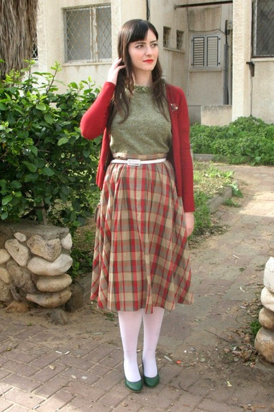 Cardigan And Skirt 4