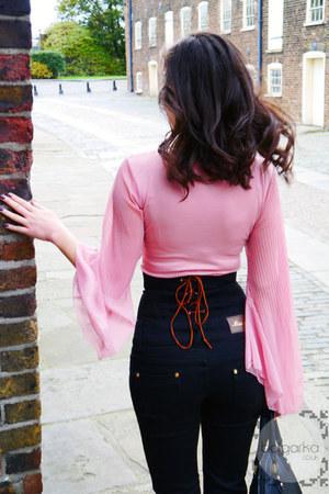 black Dresskode jeans - black Hanaroo bag - beige python leather Aldo heels