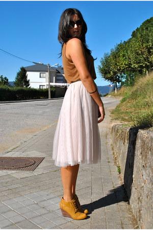 cream long skirt Cream skirt - camel boots Camel boots - camel shirt Camel shirt