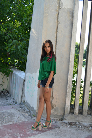 green H&M blouse - new look shorts - olive green nissa bracelet