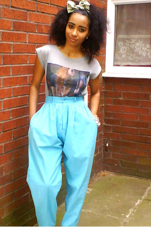Religion t-shirt - vintage pants