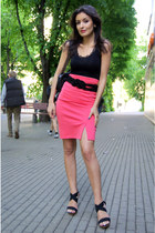 hot pink high-waisted Vero Moda skirt - black Promod top - black BLANCO sandals