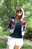 gray striped vintage cardigan - white bleached denim Levis shorts