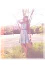 Light-blue-thrifted-dress-tawny-lucky-rabbit-purse-pink-urban-outfitters-car