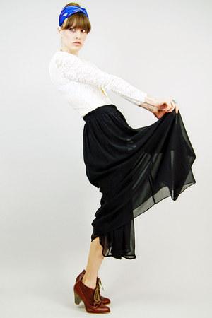 silk Oscar de la Renta scarf - lace thrifted bodysuit - Lucky Rabbit skirt