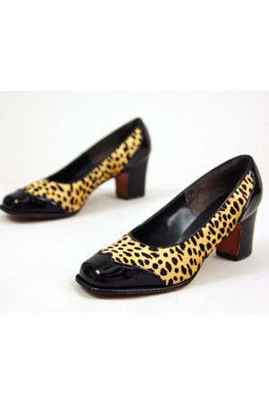 gold Herbert Levine for Joseph Magnin heels