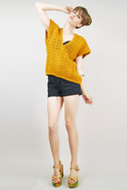 mustard open weave knit Lucky Rabbit sweater - black cut offs Levis shorts - cam