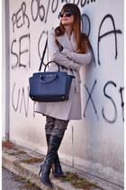 neutral Elisabetta Franchi for Celyn B coat - navy Michael Kors bag