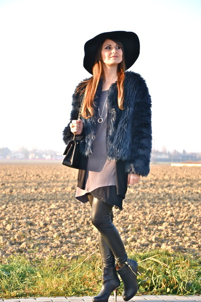 black Zara boots - puce Rum Jungle dress - navy Zara coat - black wool OASAP hat