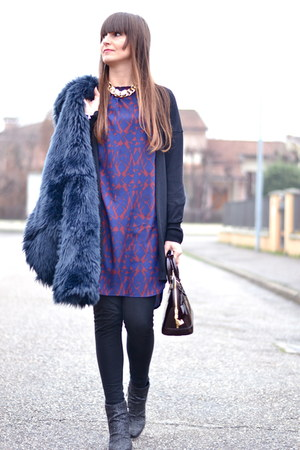 black Giuseppe Zanotti boots - blue Choies dress - brick red Louis Vuitton bag