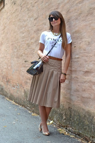 tan Dixie skirt - crimson Louis Vuitton bag - black Celine sunglasses