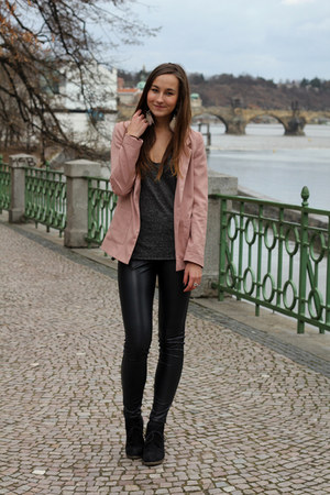 light pink H&M blazer - black New Yorker leggings - dark gray Zara t-shirt