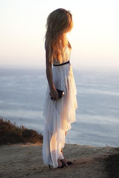 black knuckle clutch Knuckle purse - off white Lush dress