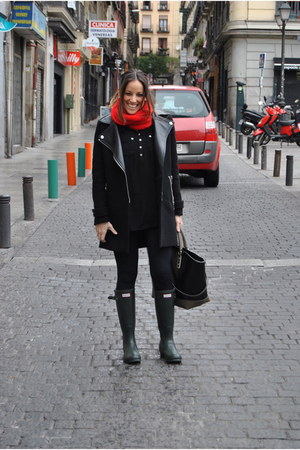 black jacket - forest green boots