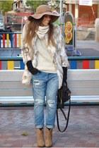 beige Sfera coat - beige Stradivarius boots - blue Zara jeans