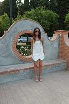 nude Isabel Marant t-shirt - ivory Zara skirt - neutral Stradivarius sandals