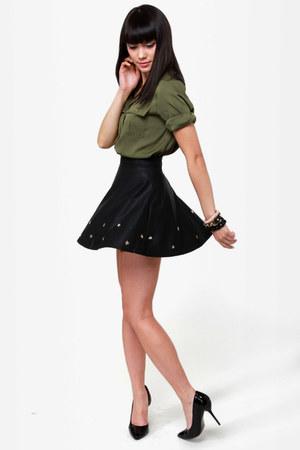 black LuLus skirt