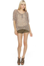 tan paisley print LuLus blouse - army green cut off LuLus shorts