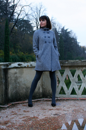 gray  coat - black  shoes - gray Calzedonia stockings