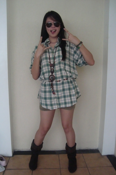 lolos blouse - Owned shorts - Tiangge One of lolos gifts accessories - united co