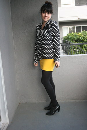 polka dot shirt - mustard mini skirt skirt - black oxfords heels