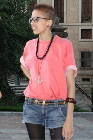 Benetton t-shirt - Bershka jeans - accessories - belt - Zara leggings - glasses