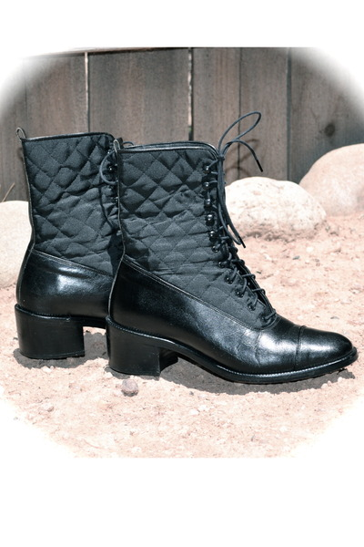 bloomingdales boots