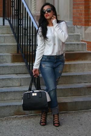 boyfriend jeans Zara jeans - H&M sweater