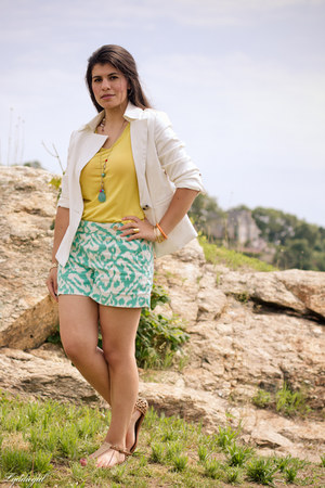 aquamarine ikat Loft shorts - white cynthia rowley blazer