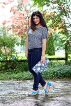 navy kohls jeans - London Fog bag - blue Bandolino wedges - tribal print TJMaxx