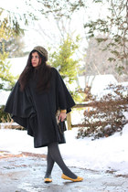 mustard Mia shoes - camel Avon hat - dark gray vintage cape