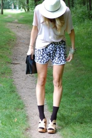 LA Boutique shirt - urban outfitter shorts - Steve Madden shoes