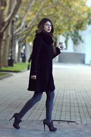 black Incity coat - gray Luciano Carvari heels