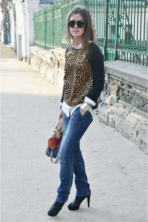 ivory H&M shirt - black Musette shoes - navy Trussardi jeans - River Island bag
