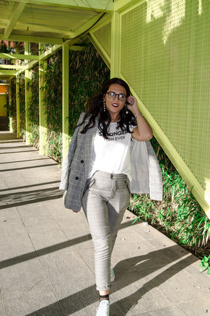 heather gray H&M blazer - gold Zara earrings - white Zara t-shirt