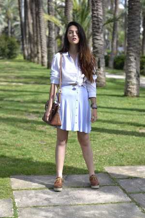 tawny oxfords shoes - tawny Piú Bella bag - light blue asos skirt