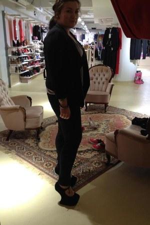 Jeffrey Campbell heels - J Brand jeans - Vero Moda blazer - Gap top