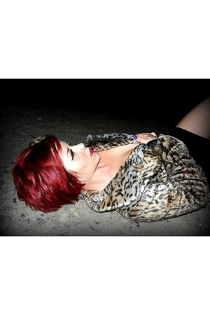 fur coat long International coat - bodycon H and M skirt