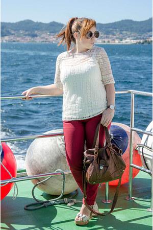 ruby red Massimo Dutti pants - cream Massimo Dutti t-shirt